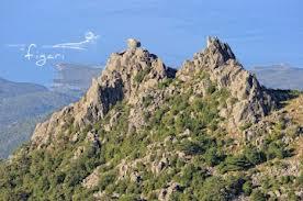 figari: montagne e mare